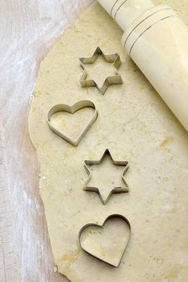 Magrudy.com - Making Cookies with Heart and Star Cookie